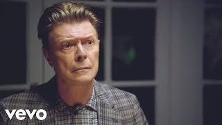Смотреть клип песни: David Bowie - The Stars (Are Out Tonight)