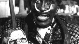 Смотреть клип песни: Screamin' Jay Hawkins - There's Something Wrong With You