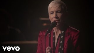 Клип Annie Lennox - Georgia On My Mind