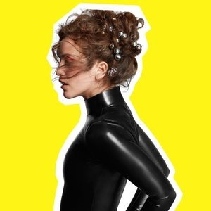 Альбом: Rae Morris - Someone Out There