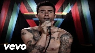 Смотреть клип песни: Christina Aguilera - Moves Like Jagger
