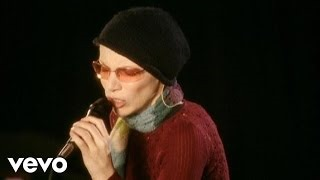 Клип Annie Lennox - A Thousand Beautiful Things