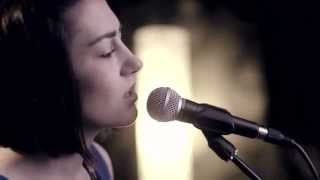 Смотреть клип песни: Boyce Avenue - The Scientist (feat. Hannah Trigwell)
