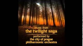 "Смотреть клип песни: The City of Prague Philarmonic Orchestra - New Moon (From ""The Twilight Saga: New Moon"")"