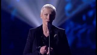 Клип Annie Lennox - Silent Night