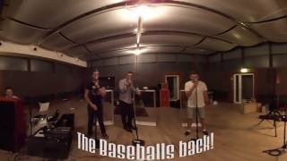 Смотреть клип песни: The Baseballs - Everybody (Baseballs' Back)