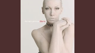 Клип Annie Lennox - Pavement Cracks