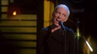 Клип Annie Lennox - I Can Dream, Can't I?