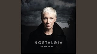 Клип Annie Lennox - I Cover The Waterfront