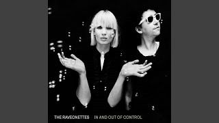 Смотреть клип песни: The Raveonettes - Oh, I Buried You Today