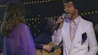 Клип Sergio Mendes - Never Gonna Let You Go