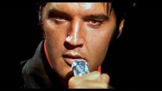 Смотреть клип песни: Elvis Presley - Blue Eyes Crying In the Rain