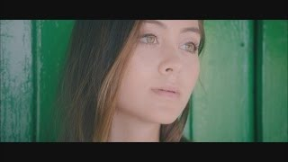 Смотреть клип песни: Thomas Jack & Jasmine Thompson - Rise Up