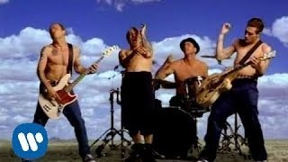 Смотреть клип песни: Red Hot Chili Peppers - Californication