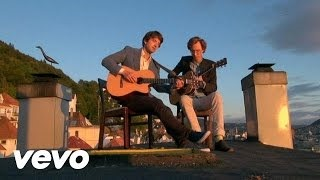Клип Kings Of Convenience - Me In You