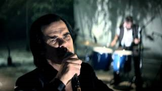 Смотреть клип песни: Nick Cave & The Bad Seeds - Higgs Boson Blues