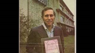 Chet Atkins - Can't Buy Me Love