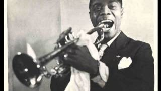 Смотреть клип песни: Louis Armstrong and His Orchestra - I Hate to Leave You Now