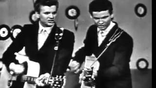 Клип The Everly Brothers - ('Til) I Kissed You