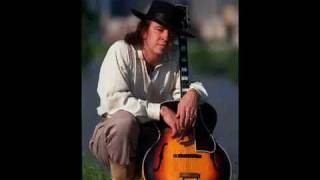 Клип Stevie Ray Vaughan & Double Trouble - The Sky Is Crying