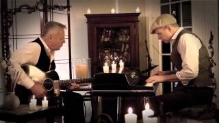 Tommy Emmanuel - The Magic of Christmas Time