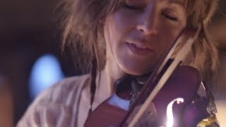 Смотреть клип песни: Lindsey Stirling - Song Of The Caged Bird