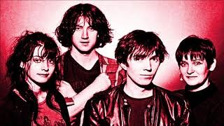 Смотреть клип песни: My Bloody Valentine - I Can See It (But I Can't Feel It)