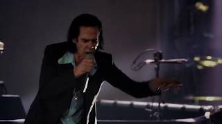 Смотреть клип песни: Nick Cave & The Bad Seeds - From Her To Eternity