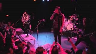 Смотреть клип песни: Escape The Fate - Live Fast, Die Beautiful