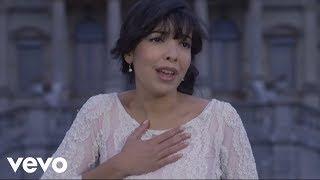 Indila Mini World клип песни смотреть онлайн бесплатно